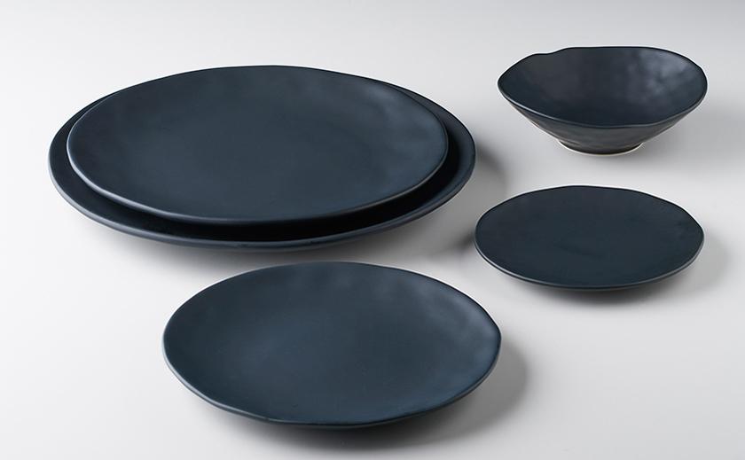 Colección Solid Black